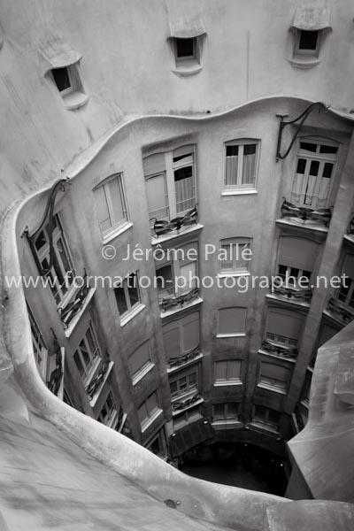 Cours de photo pro photographier la Pedrera à Barcelone